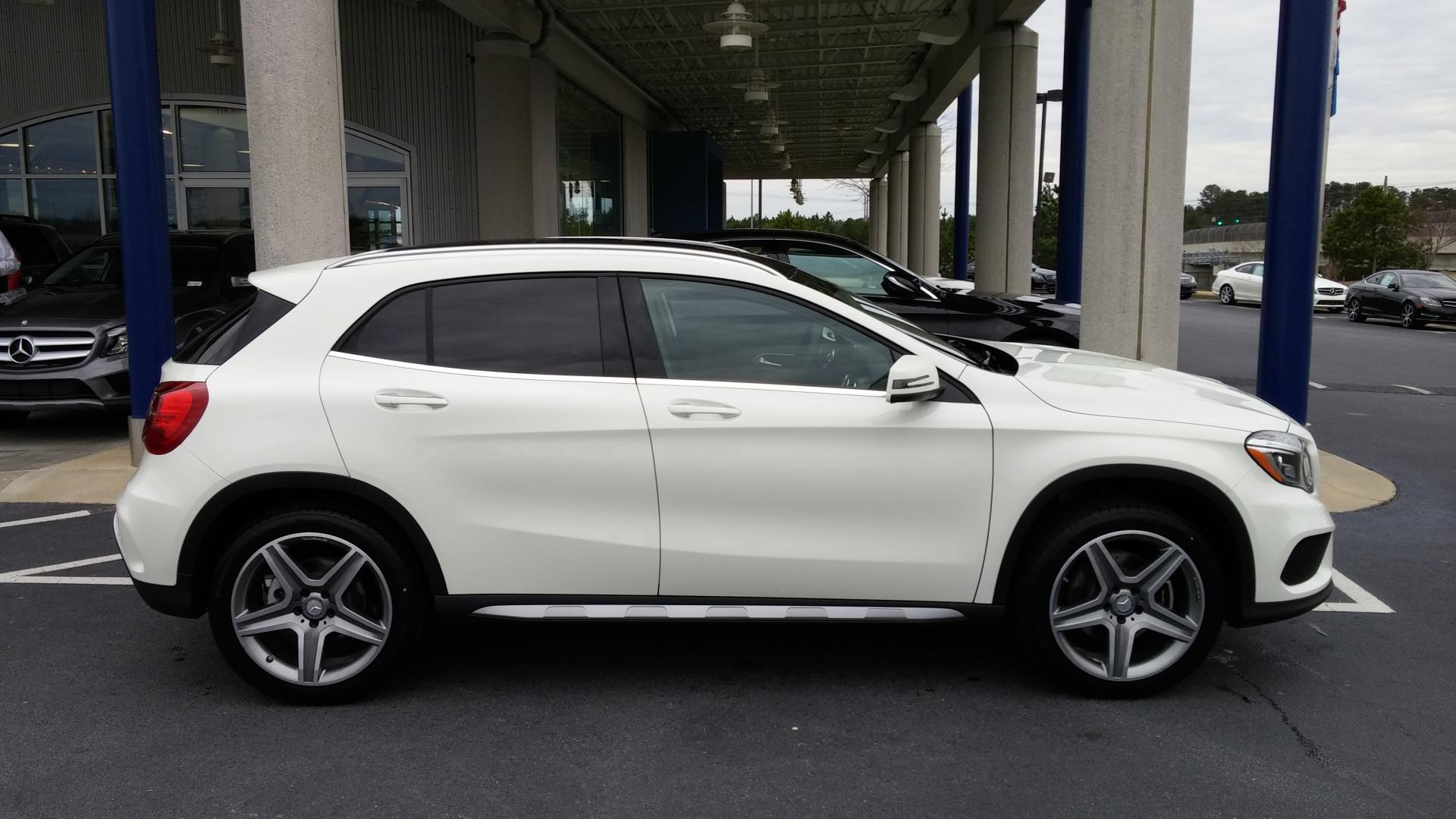 Click image for larger versionName:White GLA Sport Pkg.jpgViews ...